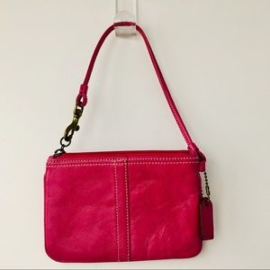 COACH WRISTLET PRETTY RASPBERRY PINK